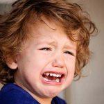Odontopediatría: ¿qué hacer si el peque se da un golpe en los dientes de leche?