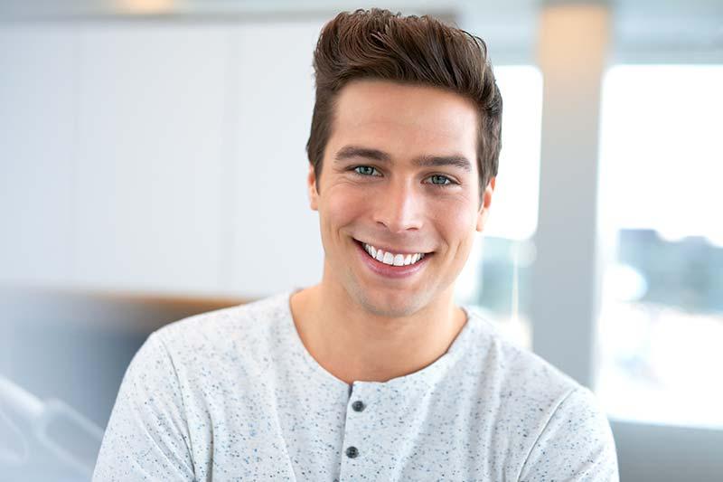 Blanqueamiento dental, sonrisa blanca en menos de 1 hora