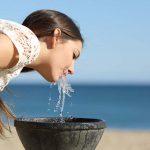 La receta de salud bucodental para el Verano 2018: Agua, beber mucho agua